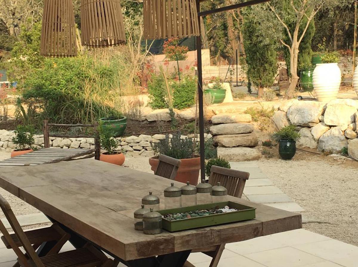 Outdoor Furniture & Kitchen